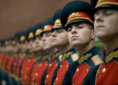 Russian military honor guard from the 154th Commandant's Regiment stands at attention during a wreath-laying ceremony at the Tomb of the Unknown Soldier in Moscow, June 26, 2009. Photo by Petty Officer 1st Class Chad J. McNeeley, U.S. Navy.
