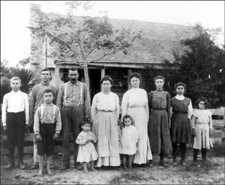 A family shown on its original homestead in Seguin, Texas, in 1910